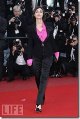 vīriešu kostims 2011 sievietem (3)