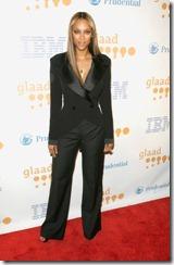 vīriešu kostims 2011 sievietem (4)