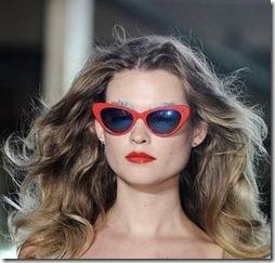 sarkanas saulesbrilles 2011