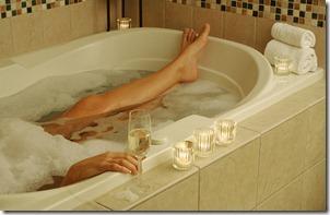 sieviete vannā