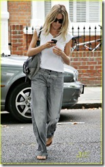 sienna-miller-baggy-jeans-01