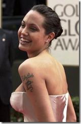 Angelina Jolie frizūras 2001