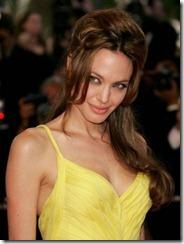 Angelina Jolie frizūras 2007 (2)