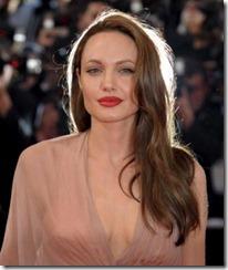 Angelina Jolie frizūras 2009