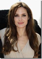 Angelina Jolie frizūras 2011 (2)
