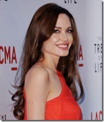 Angelina Jolie frizūras 2011