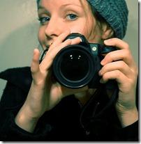sieviete fotografē (2)