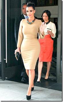 Kim-Kardashian_kaklarota