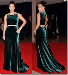 Kima-Kardashian-velveta_kleita