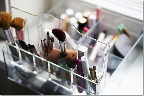 ka_sakartot_kosmetikas_galdinu